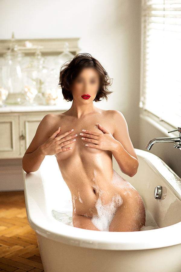 Georgina - incalls in
